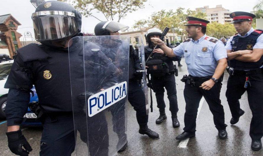 Hombre arrestado se escapa de la policía – VÍDEO VIRAL