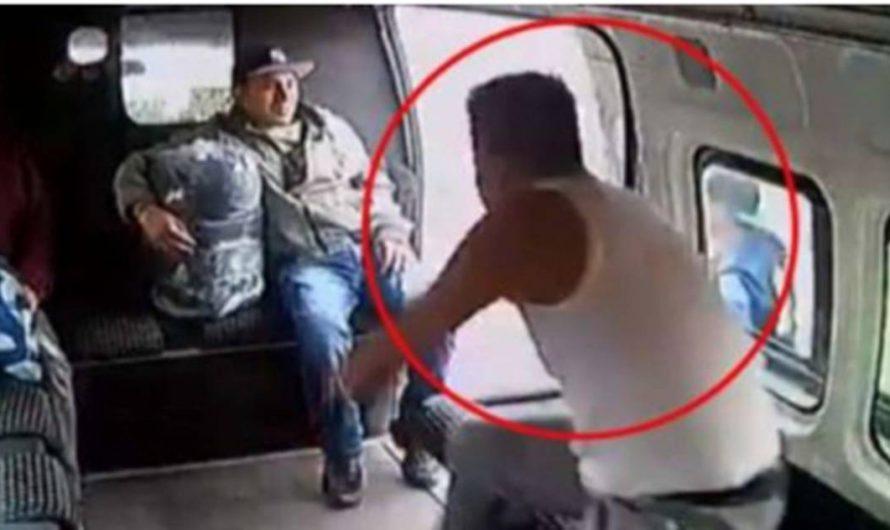 Intentan asaltar una combi y terminan golpeados por los pasajeros – ¡VÍDEO VIRAL!
